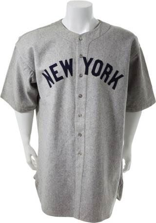 best cheap be3ad c627e Babe Ruth's 1935 'Last' Yankees Jersey Brings $286,500 to ...