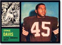 This is a nice example of Ernie Davis' only pro football card.<br>Smart collectors should snap one up if they ever find one.