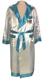 'Thrilla in Manilla' fight worn robe sells for $81,812