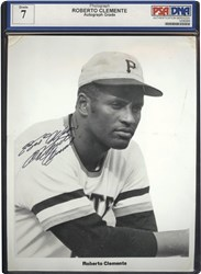 Roberto Clemente Autographed B&W Photo